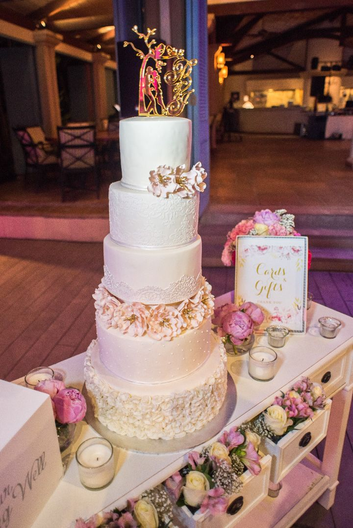 Five tier wedding cake | glamorous Mauritius wedding | itakeyou.co.uk #weddingcake #cakes #destinationwedding