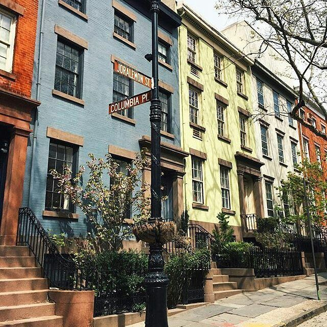 New York City Boroughs Brooklyn Intersection Of Joralemon Street And Columbia Place Brooklyn Heights Brooklyn Heights Brooklyn House Brooklyn
