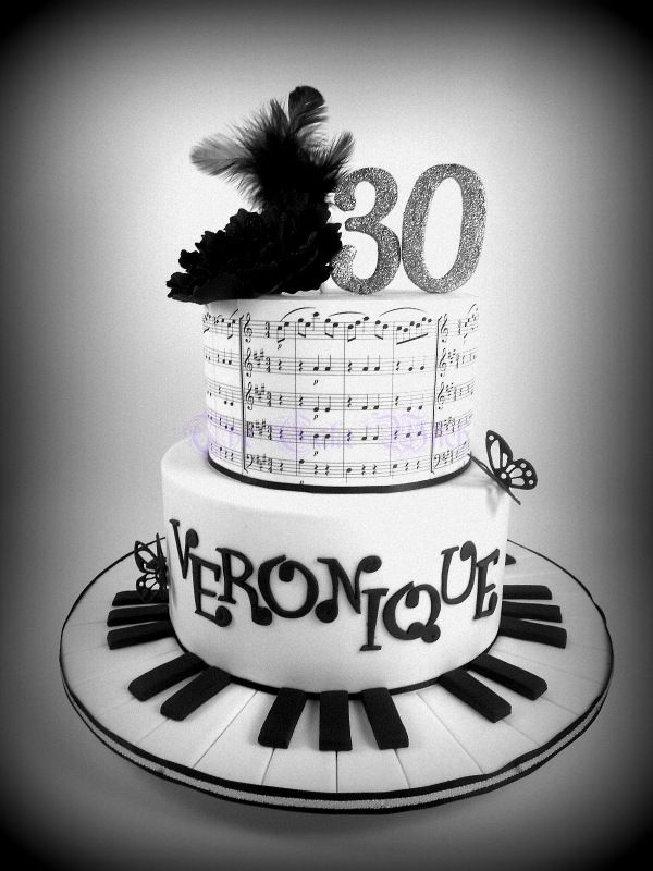 Black and White Musical Notes Cake Piano sugar flower and feathers