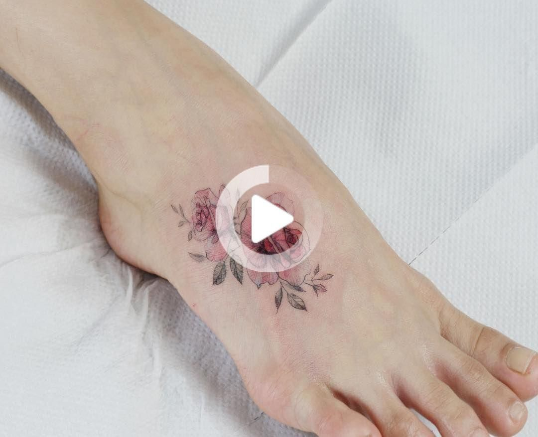 Flower Tattoo artist Tattooist_flower – 타투이스트. Tattooist_flower - 타투이스트 꽃 artist works on women's tattoos and works exclusively for women. #tattooideas #besttattooideas