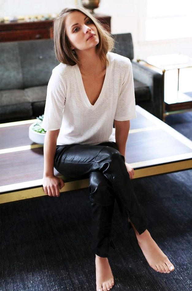 b3d30e059de6 Pair A White Tee And Leather Pants For A Timeless Look (Le Fashion ...