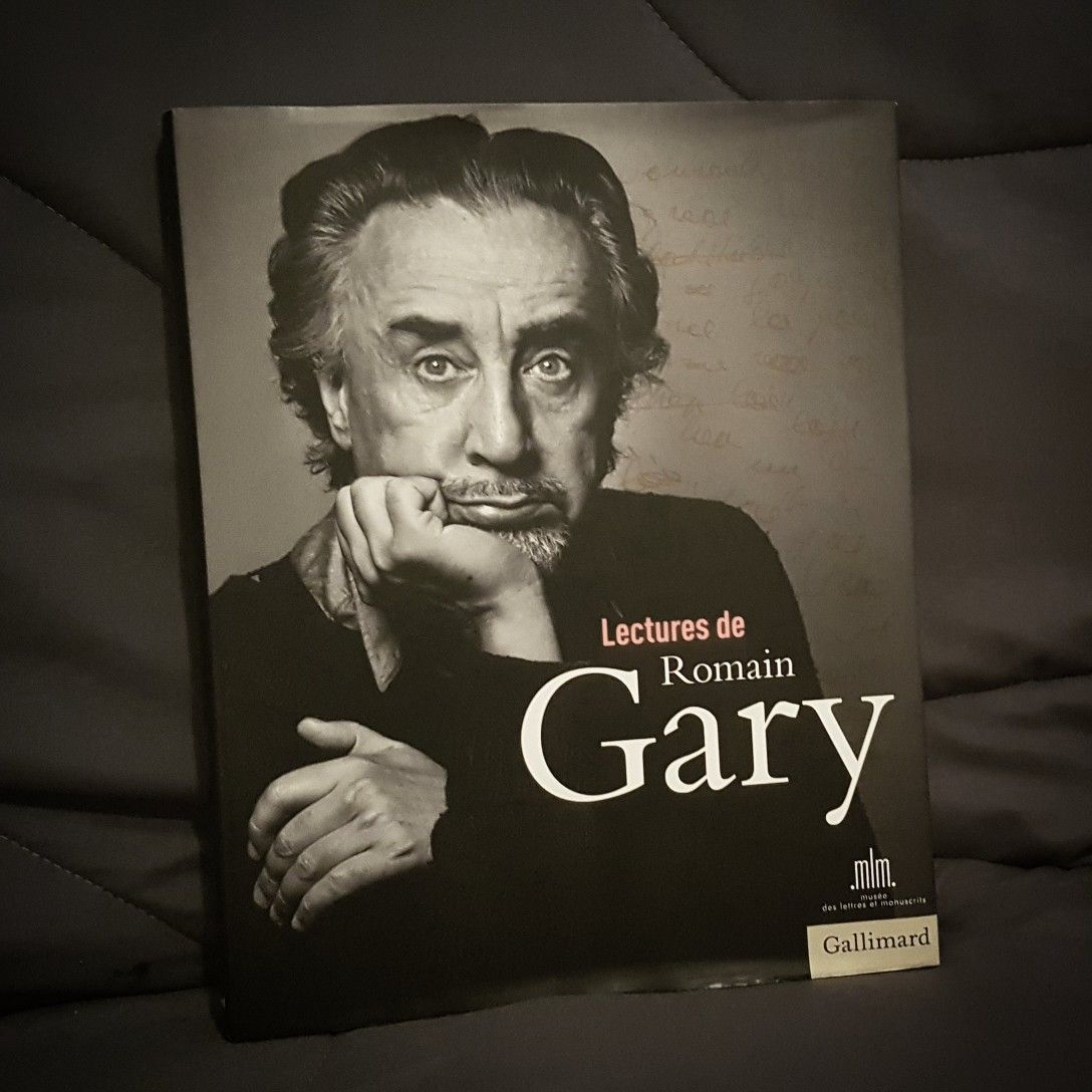Lectures De Romain Gary In 2020 Male Sketch Male Art