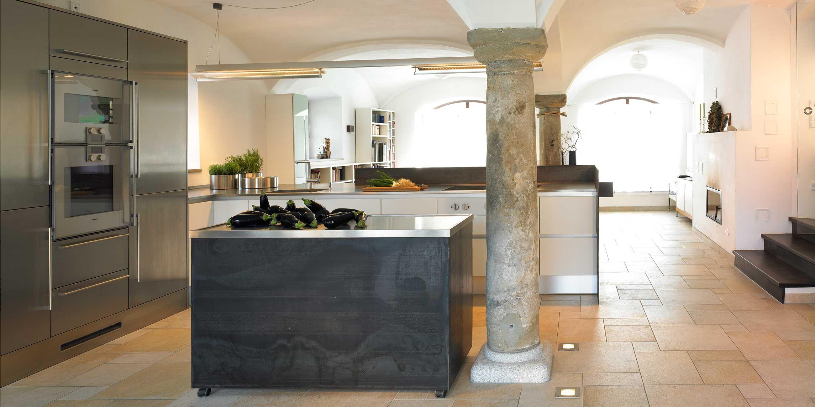 Vom Kuhstall zur Küche  Küchen design, Haus, Ställe