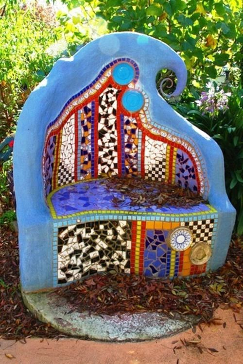 mosaik im garten 13 bezaubernde designs mit schwung sessel mosaik und form. Black Bedroom Furniture Sets. Home Design Ideas