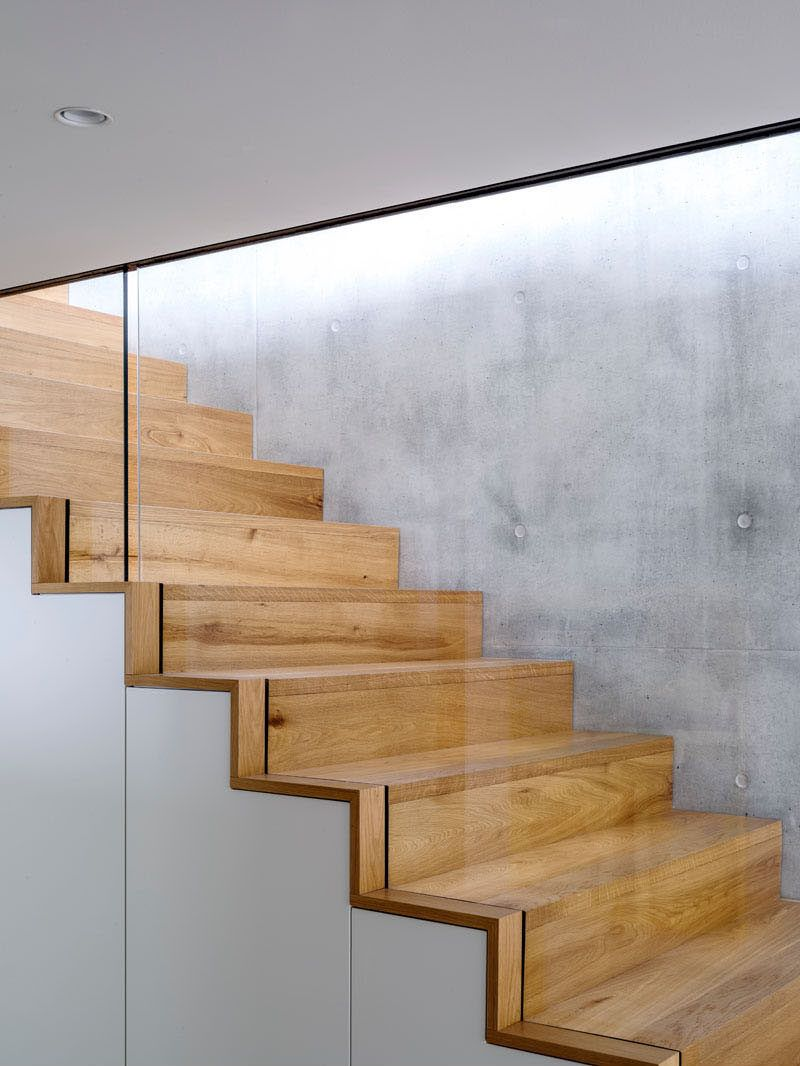 Best Wood Stairs Sandwiched Between A Concrete Wall And Glass 400 x 300