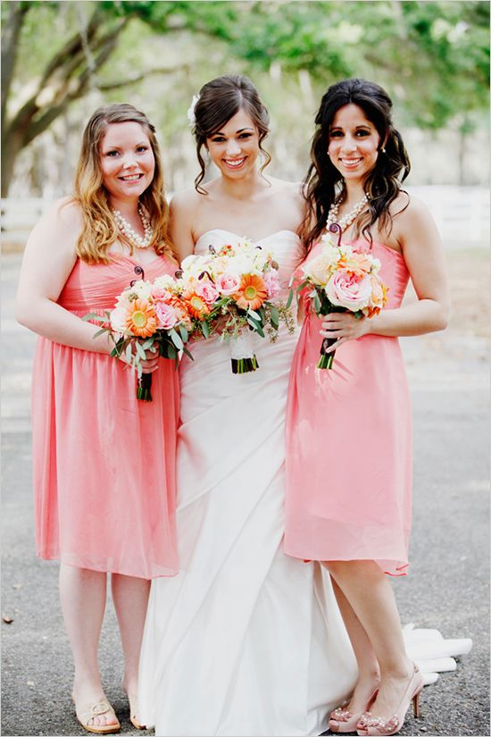 Great Look For The Bridesmaids In Their Peach Dresses And Pairing With Chunky Pearl Necklaces