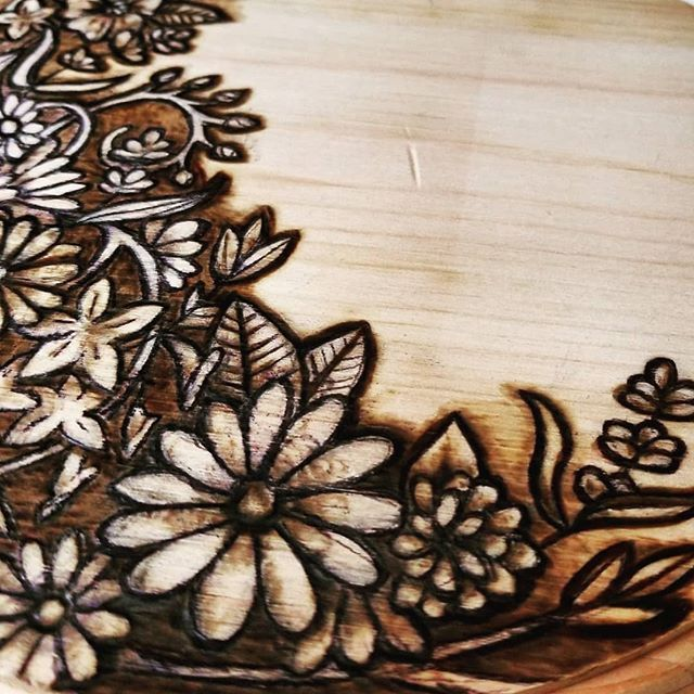 Saturday Night Flurrs Pyrography Woodburning Rickitimbertavi Flowers Wildflowers Artofinstagr Wood Burning Art Wood Burning Stencils Wood Burning Crafts