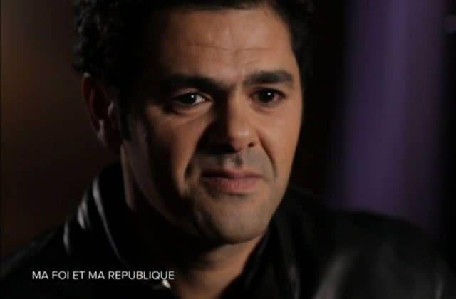 Jamel Debbouze revient sur les deux attentats qui ont coûté la vie à 17 personnes. Le comédien condamne fermement ces attaques, et recentre le débat sur les valeurs de la République.