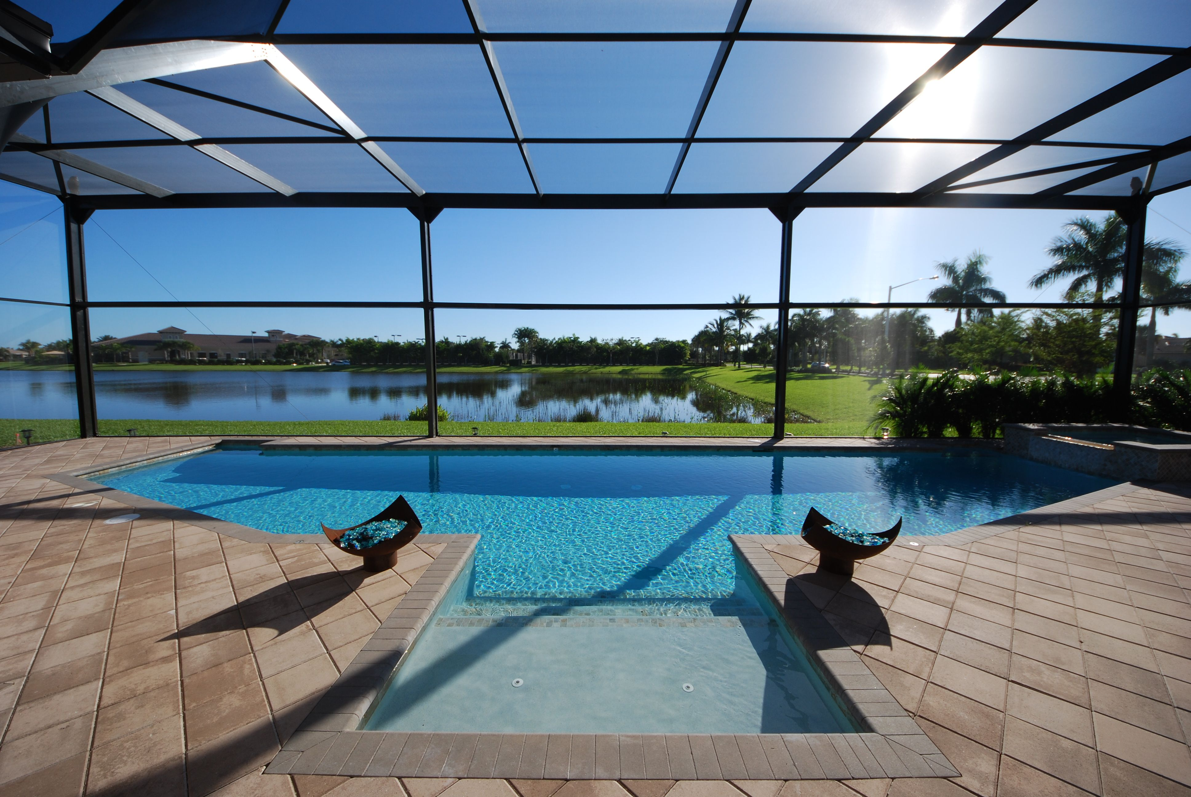 Modern Pool Enclosure With Picture Windows Pool Water Features