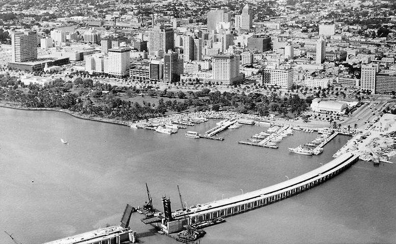 Am 26. März 1915 gründeten einige Visionäre und Unternehmer die Stadt Miami Beach mit dem Ziel, die Insel zur Touristenattraktion zu machen.