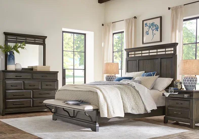 Montana Ridge Brown 5 Pc King Panel Bedroom Rooms To Go King Size Bedroom Furniture Sets Bedroom Panel Bedroom Furniture Sets