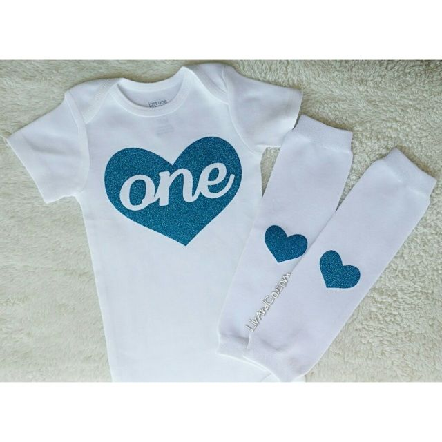 Make your little one's first Birthday pictures perfect with this outfit!