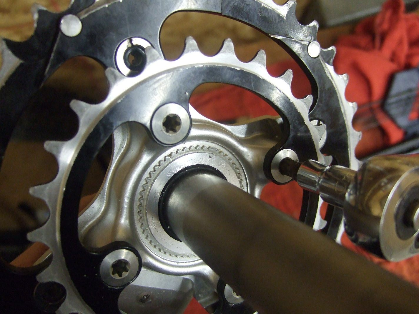 How To Install Remove New Style Shimano Cranks And Chainrings