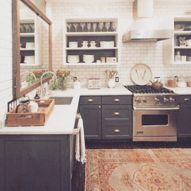 Influence «shabby chic» en cuisine Shabby, Kitchens and Armoires