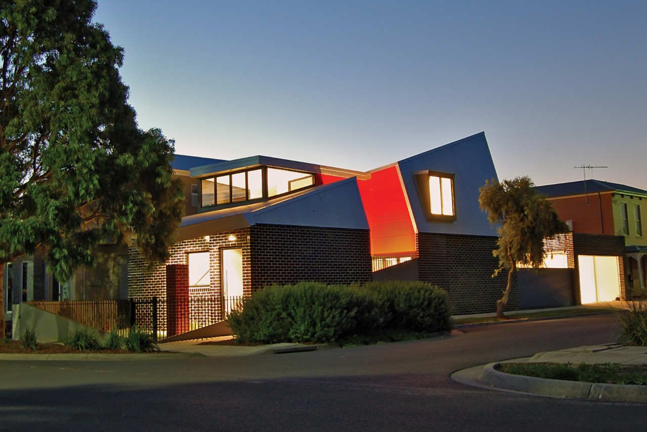 Jones House by Kavellaris Urban Design (via Lunchbox Architect)