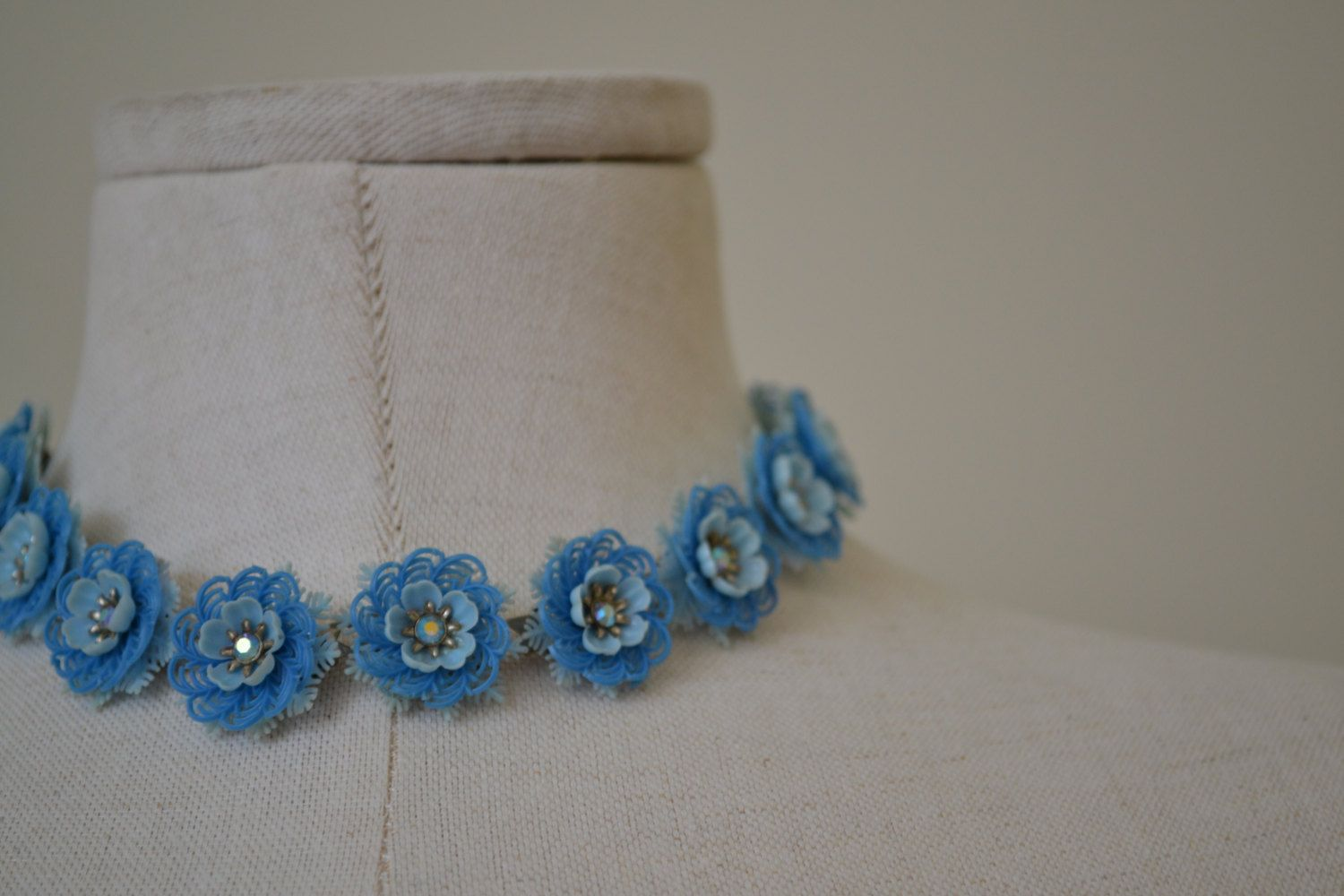 "1950's two tone blue plastic flower choker with irridescent rhinestone center 16.5"" maximum -prom or summer beach necklace by LulaVintageMN on Etsy"