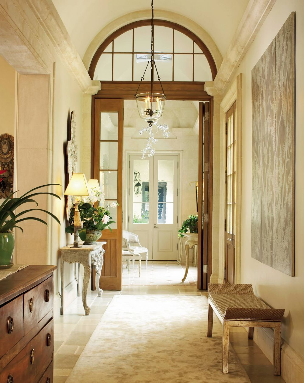 Traditional Entrance Hall by Ann Holden and Ken Tate in Southeastern