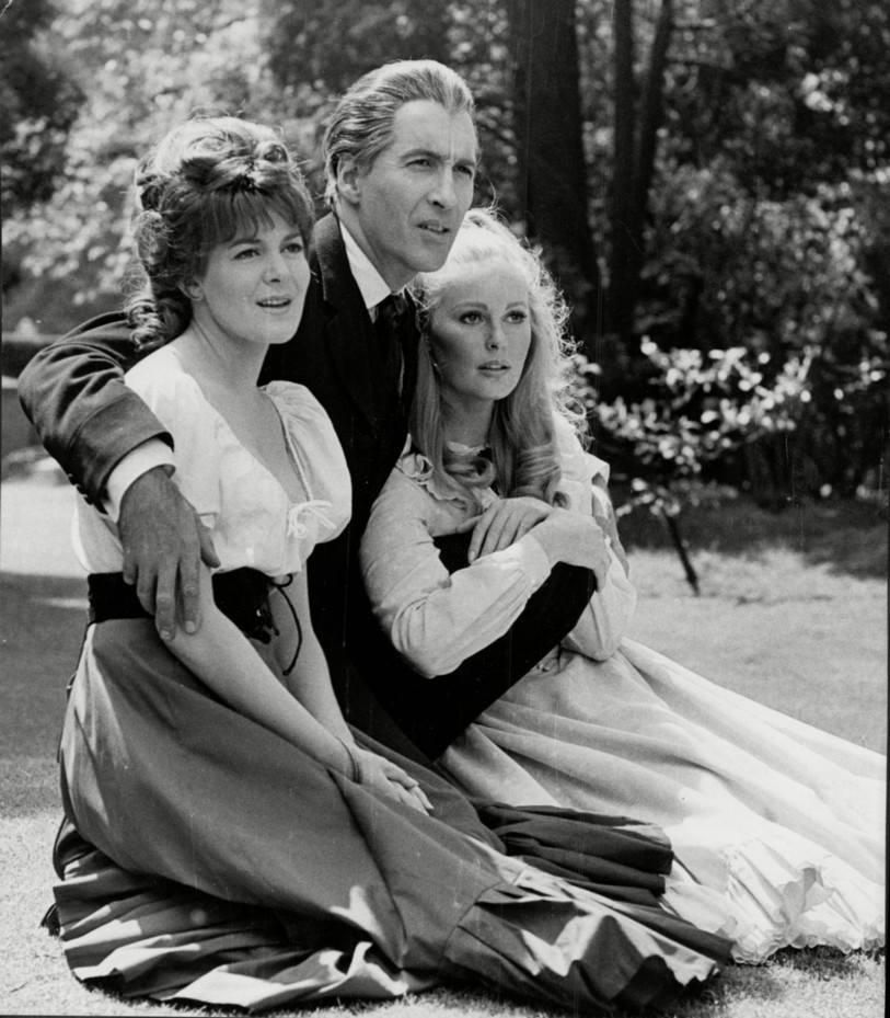 Barbara Ewing, Christopher Lee and Veronica Carlson on the set of ...