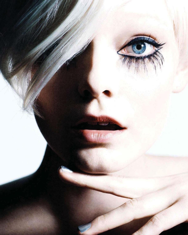 Nimue Smit for Vogue Nederland April 2013 얼굴