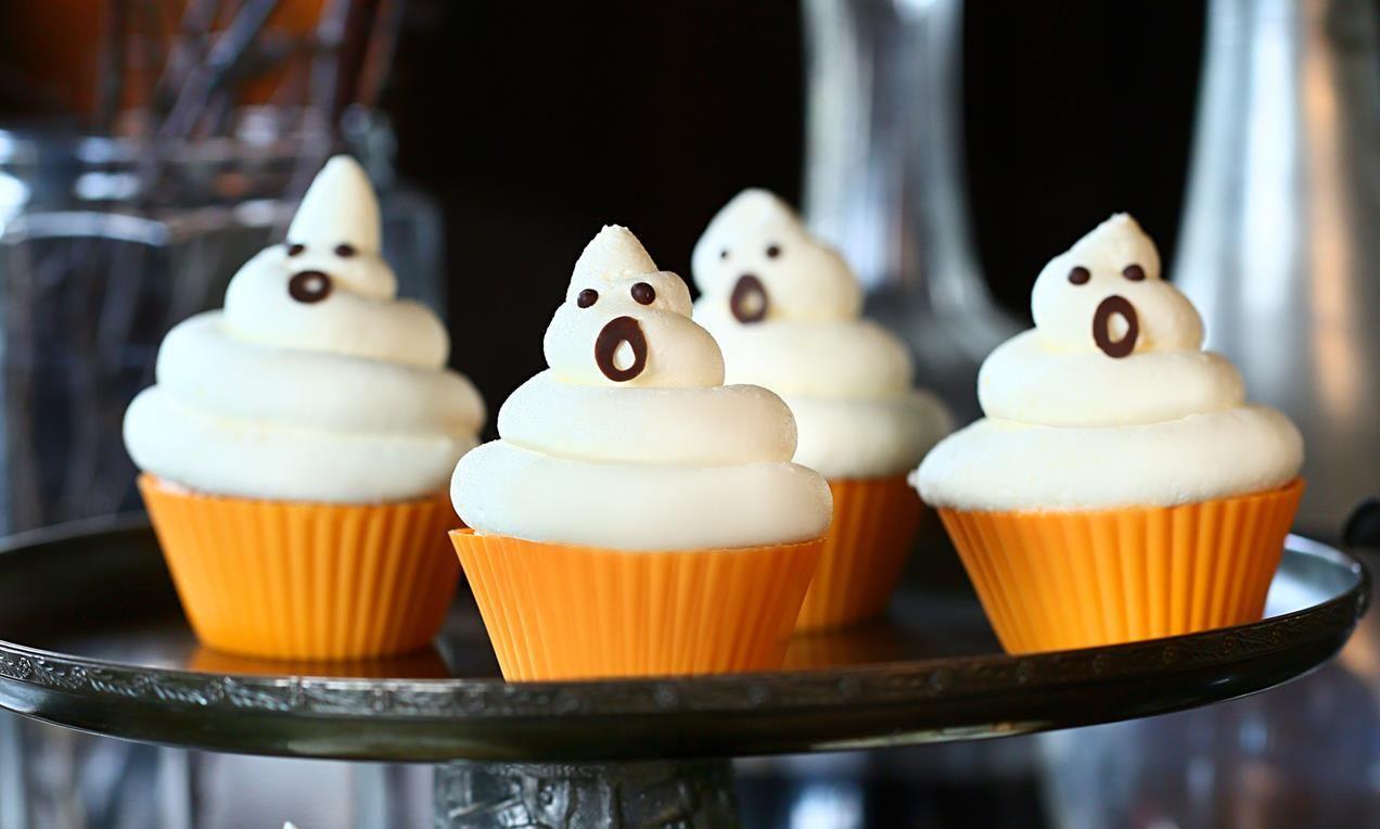 Beeindruckend Halloween Cupcakes Rezepte Beste Wahl Geister-cupcakes Rezept | Dr. Oetker
