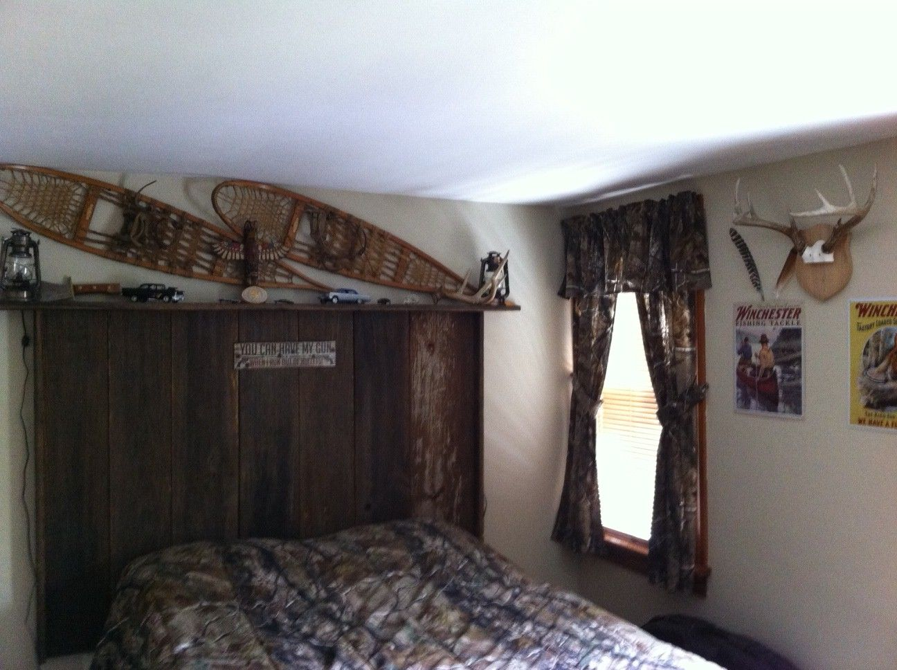 Rustic Realtree Camo Winchester Antlers Boys Bedroom With Barn Siding Headboard