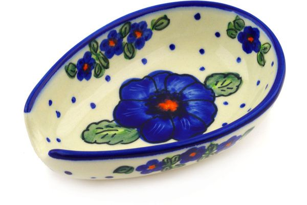 Polish Pottery #polishpottery #pottery #ceramics #cheeselady #cheeseladies #beautiful #art #crafts #dinnerware #homedecor #lovethis #wantthisinmyhome #design #wonderful #needthis #kitchen #spoonrest #flowers #leaves #spoon