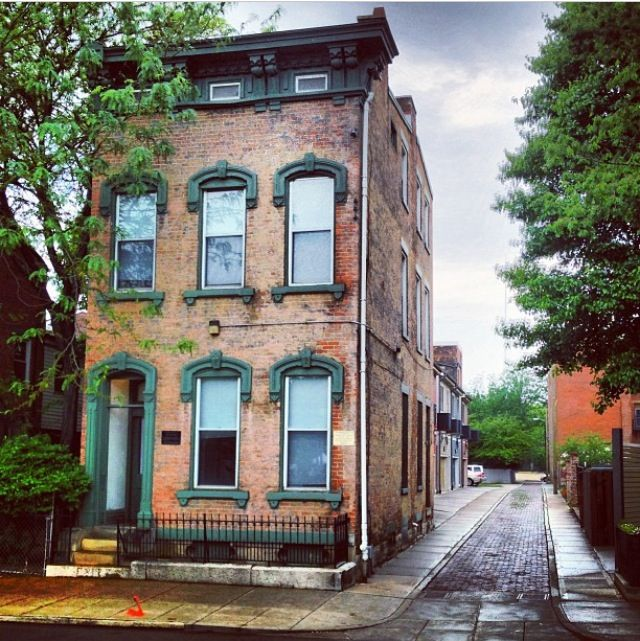 Old Brick Apartment Building: Old Brick Townhouse (With Images)
