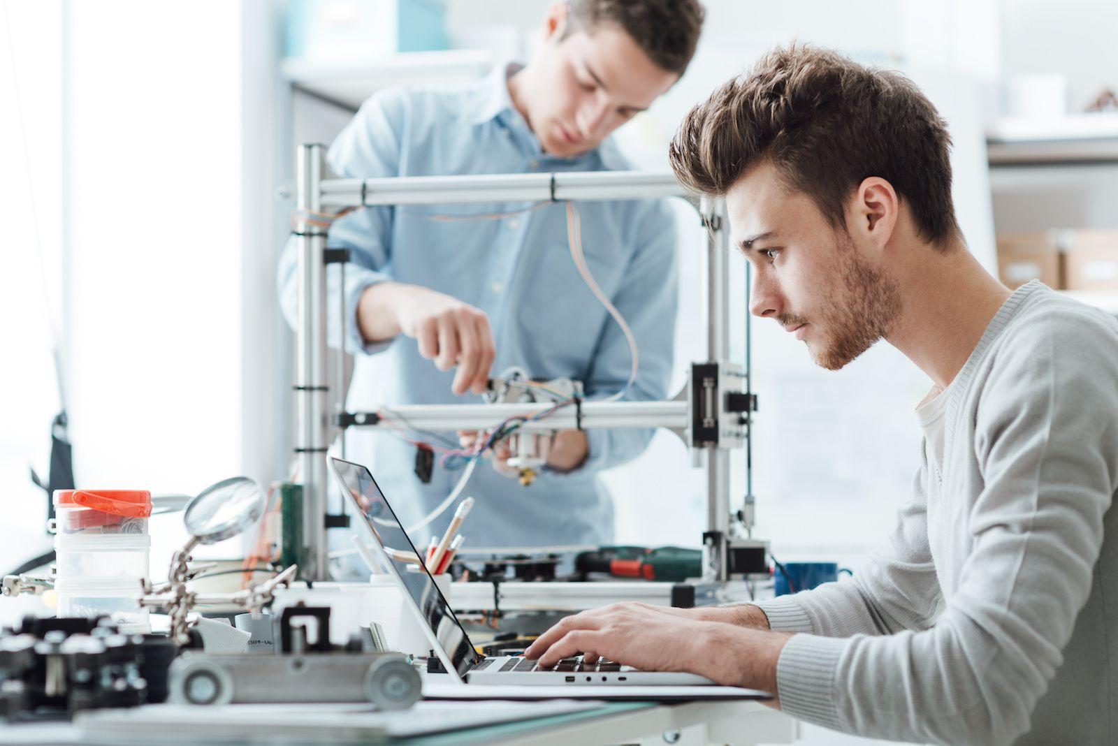 AdobeStock_102717457 Engineering student, Engineering