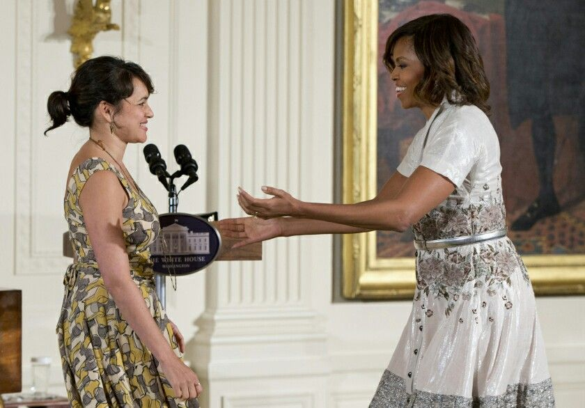 Norah Jones and 1st Lady Michelle Obama at her mother's ...
