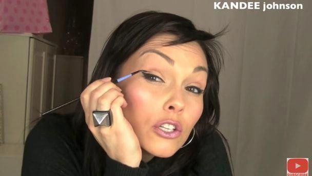 Watch Kandee Johnson's winged eyeliner tutorial. It changed my winged liner game FOREVER!—sophiarohatynsky #Wingedliner #HowToGetRidOfAcneOvernight #HowToDoEyeliner #wingedliner