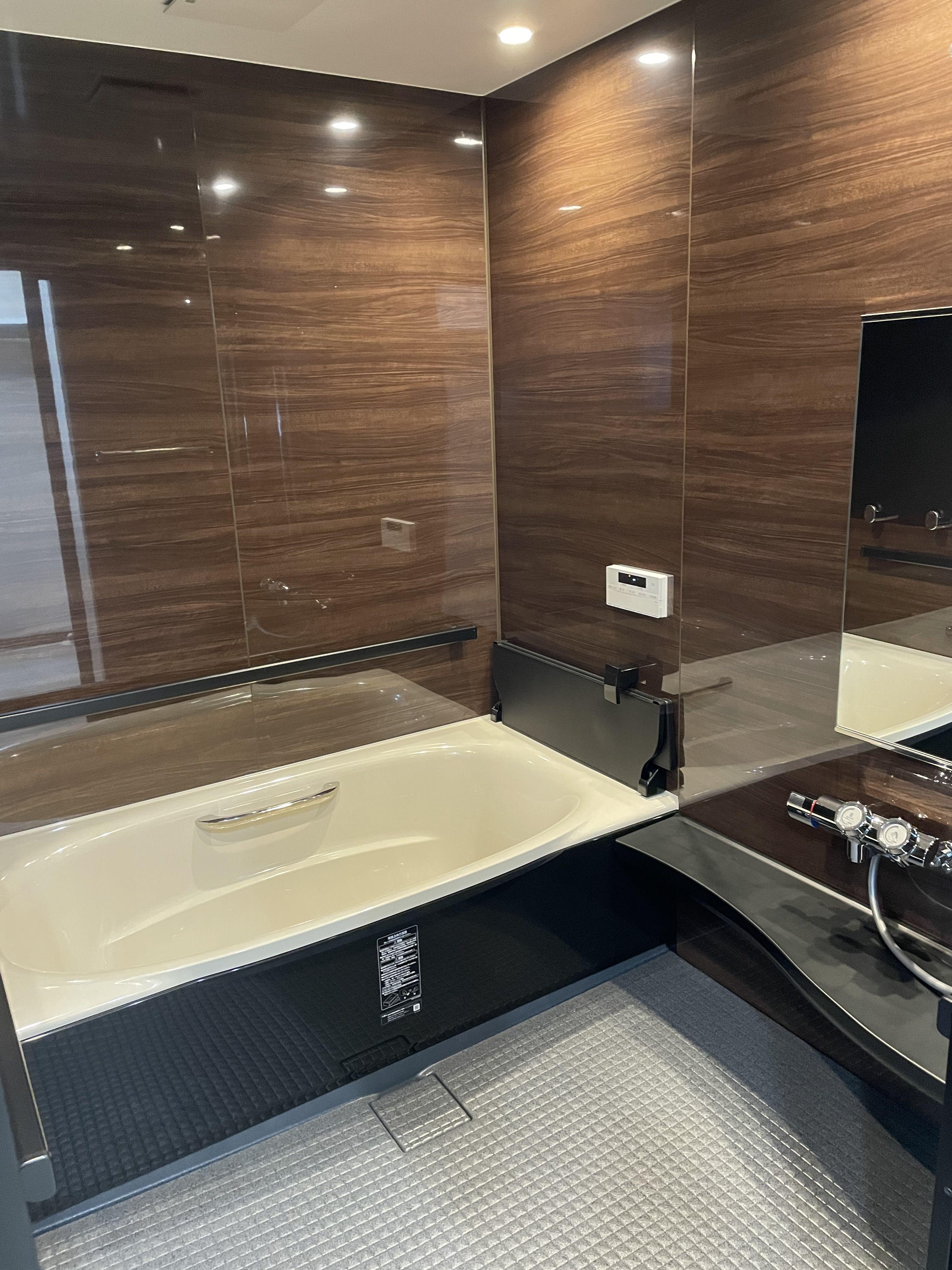 スタイリッシュな気分になれるバスルーム 2021 クローゼット 収納 バスルーム アライズ