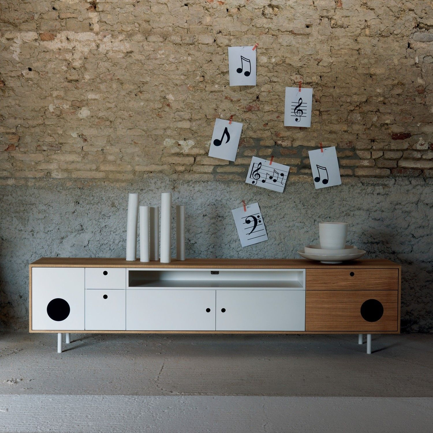 Caixa Tv Stand Cabinet With Built In Speakers Arredaclick Tv  # Meuble Tv Amplifier