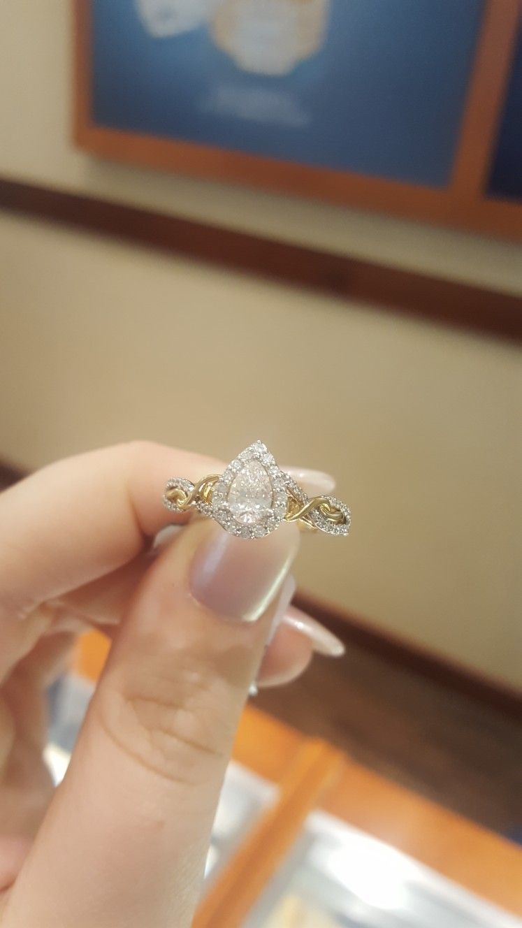 Rapunzel Engagement Ring From The Disney Princess Engagement Ring
