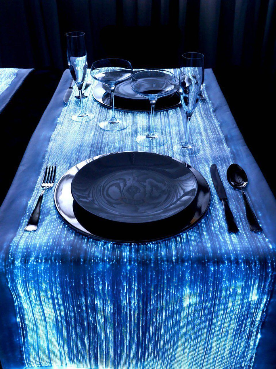 Design Fiber Optic Table Runner Dengan Gambar Dekorasi