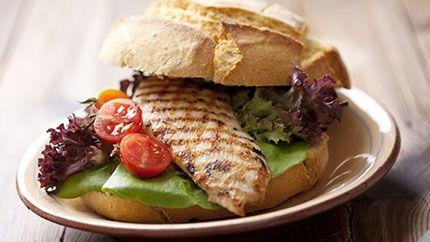 طريقة عمل سندويش الدجاج والأفوكادو - Chicken and avocado sandwich recipe