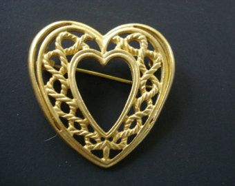 Beautiful Vintage  Brooch Pin  Golden Heart Perfect for a Valentine Gift Heart Shape Open Work on Metal