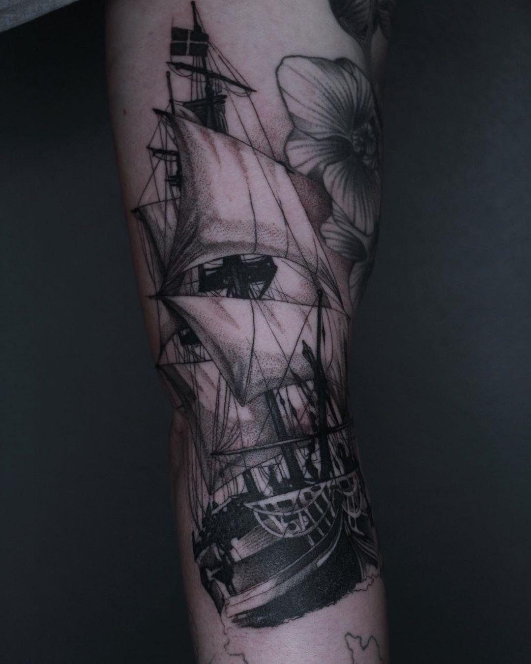 Tatuaż wykonany przez @lextattooer  Mamy duże wolnych projektów.  Więcej informacji i rezerwacja terminów na 📩 lub☎️731605298 Warszawa. Arrow Tattoo Studio. Ul. Dąbrowiecka 8, Saską Kępa  #arrow_tattoo_studio #studiotatuazu# tattoostudio #tattooed #tattooedlife #tattoolovets #варшаватату #татуваршава #татувваршаве #warsawtattoo #warszawatattoo #tattooedpeople #warsawlovers #tattooart #traditionalart #warsawgirl #warsawboy #inkedtattoo #besttattoo #polandtattoos #polandtattoo #warsawpoland #sask
