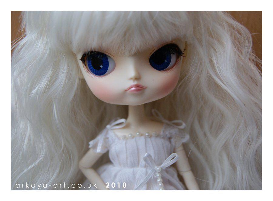 MILK by arkayaDolls.deviantart.com