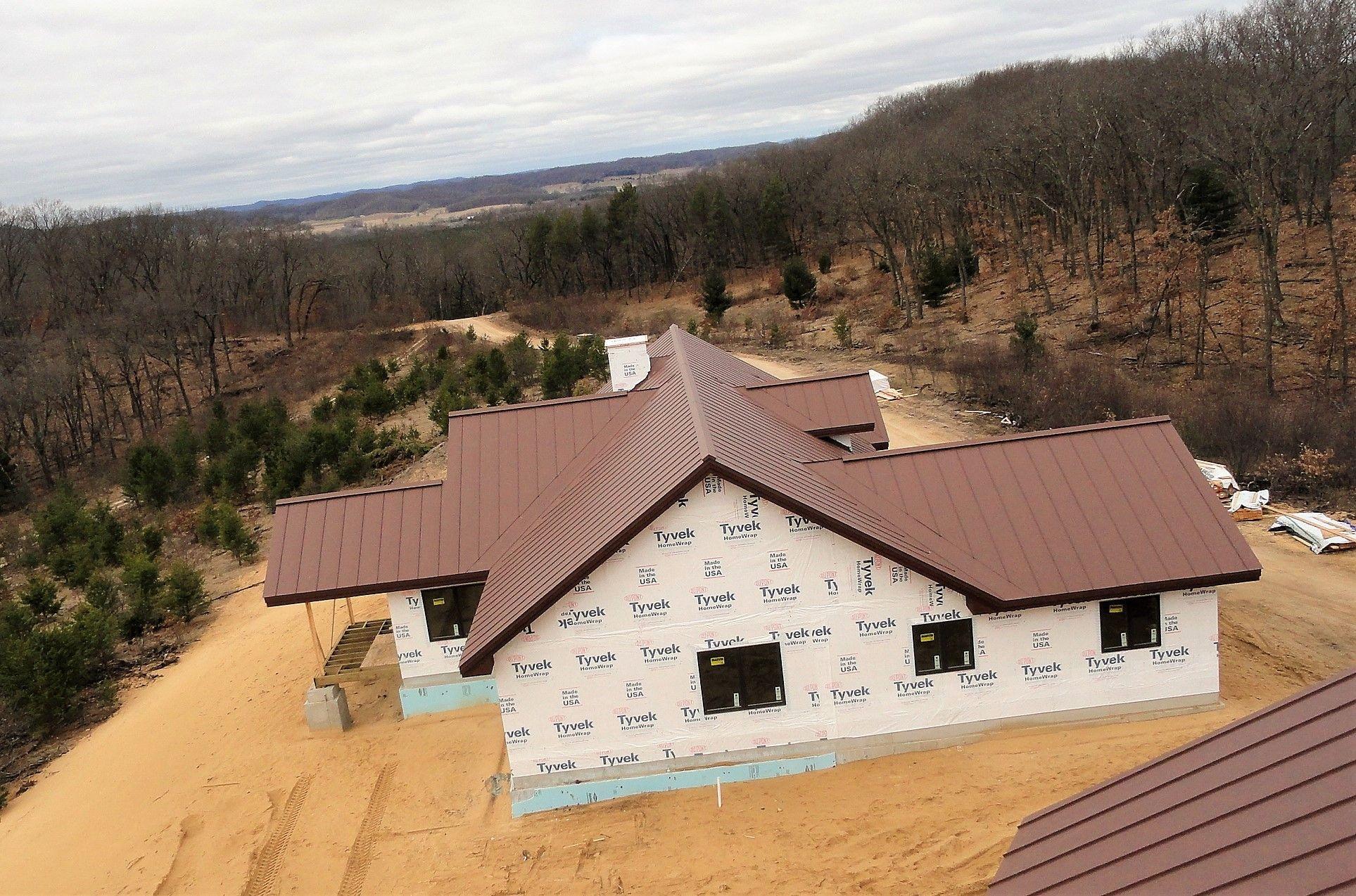 Best Mansard Brown House Styles Roofing 640 x 480