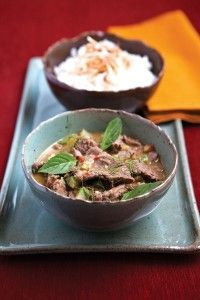 Prazeres da MESA » Curry verde tailandês de filé fatiado com abobrinha