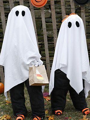 costume d 39 halloween le fant me d guisements de fant mes halloween et quand m me. Black Bedroom Furniture Sets. Home Design Ideas
