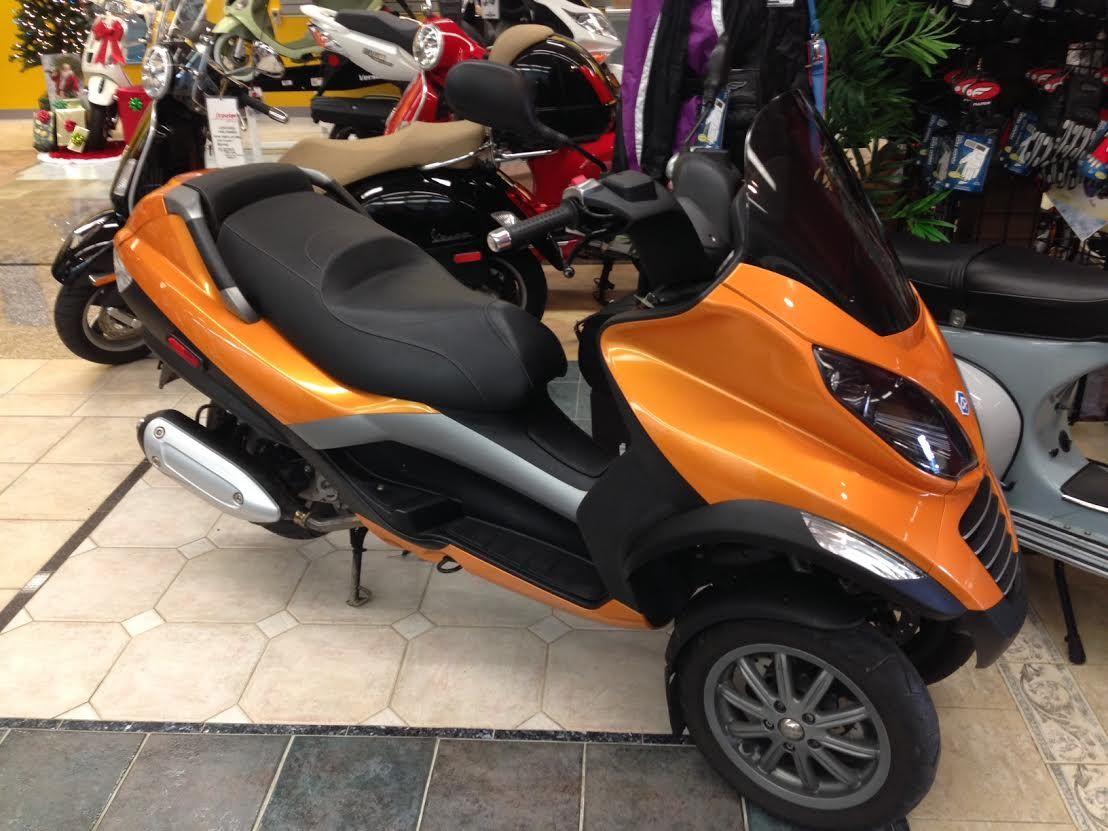sold** certified pre-owned 2007 piaggio mp3 250ie - custom painted