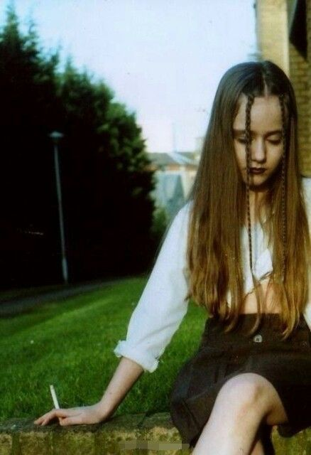 Pin By Linus On Hairstyle 90s Hairstyles Grunge Hair