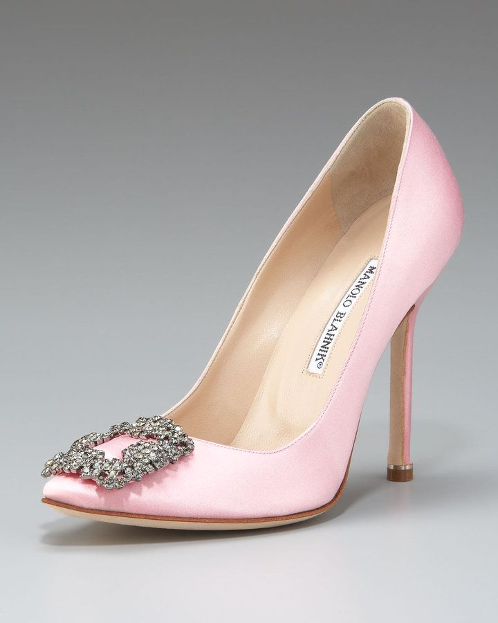 Manolo Blahnik, Hangisi Satin Pump, Light Pink. Just Like Sex And The City  But In Pink!