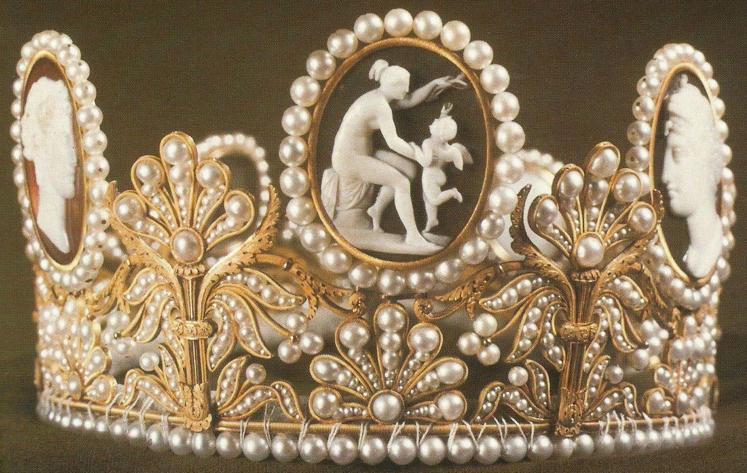 The Cameo tiara The Empress Josephine's Cameo Tiara (Sweden) is a gift from Napoleon to Empress Josephine of France. This bridal crown features plenty of pearls and seven cameos which describe mythological figures such as Cupid and Psyche.