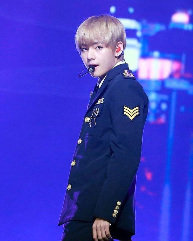 [171229] V at 2017 가요대축제 -     #v #taehyung #bts #army #kpop