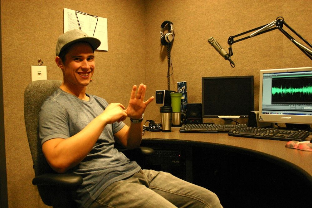 Joey Bradfisch Of 104 7 Kiss Fm Makes Morning Radio A Ton Of Fun