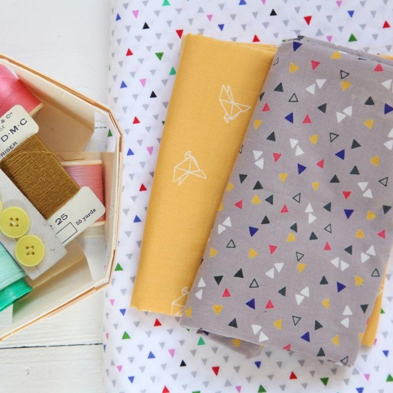 """Tissu """"Candy Flakes"""" Atelier Brunette idée = imiter avec de la peinture pour tissus !"""