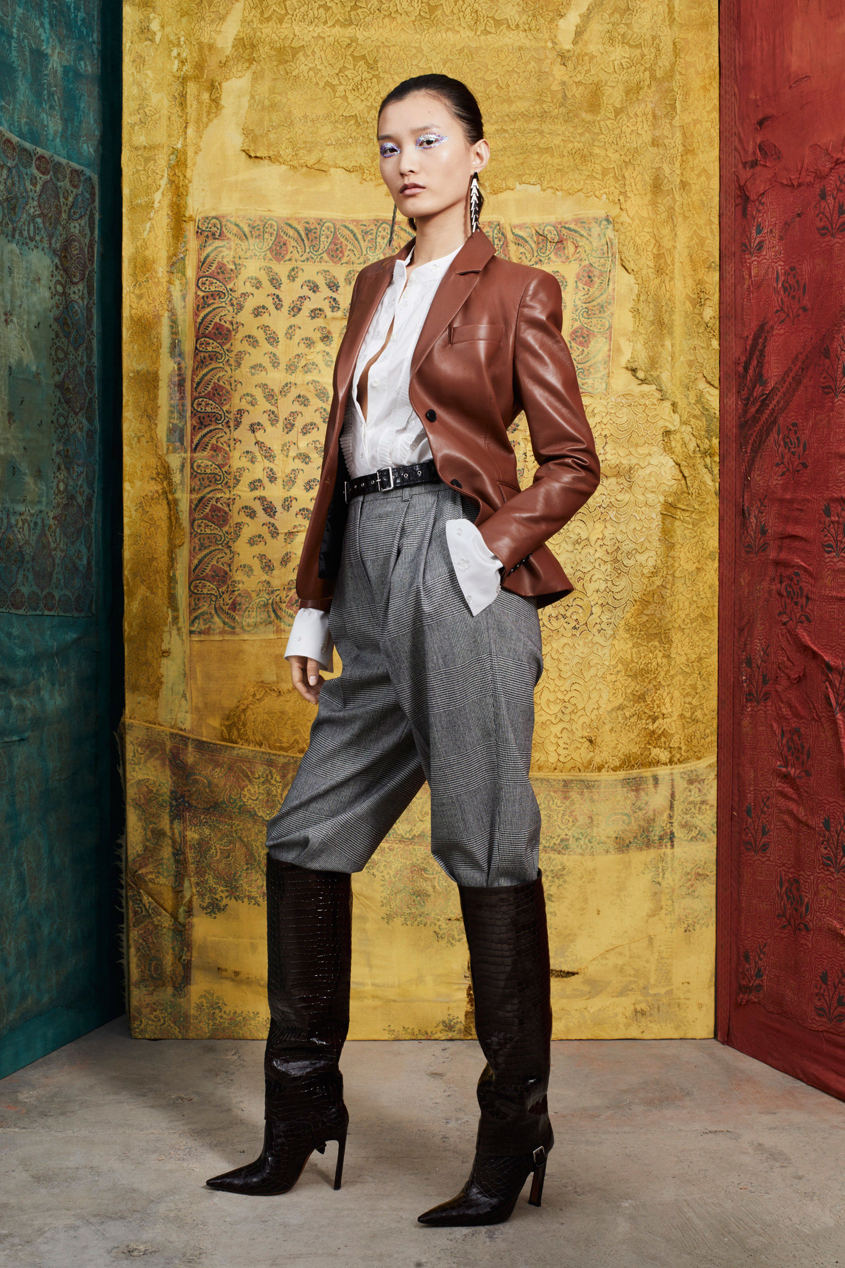 b73fc2d0dcb9f9 Altuzarra Pre-Fall 2019 Fashion Show Collection  See the complete Altuzarra  Pre-Fall 2019 collection. Look 14