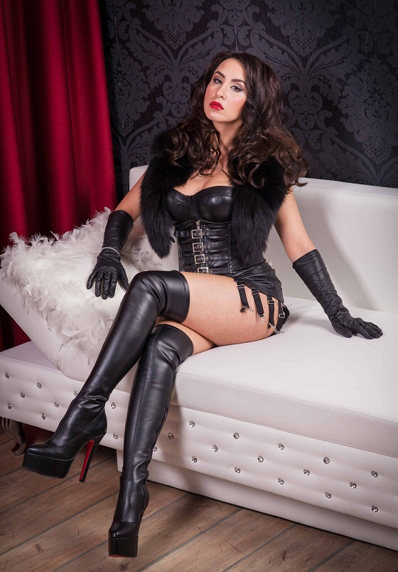 Hot Latex Dominatrix Sexy Rubber Bitch Mistress Strapon Dildo Domme Femdom Sextoy Nude Picture